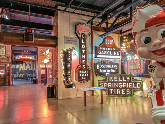 American Sign Museum | Cincinnati, Ohio | Neon signs | How to make | Americana | Private Tour | What to do in Cincinnati | Queen City | Big Boy | American history | Quirky Museums | Unique Museums | Fun things to do in Cincinnati | Interior