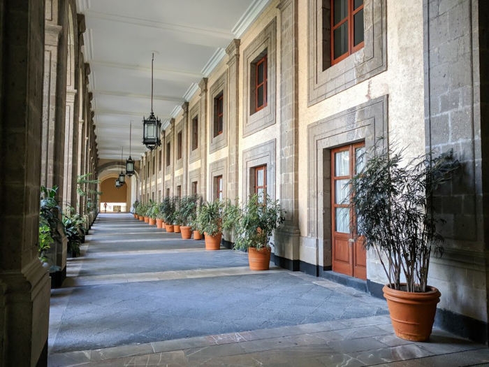 17 Things That Shocked Me in Mexico | Mexico City, Oaxaca de Juarez | National Palace courtyard