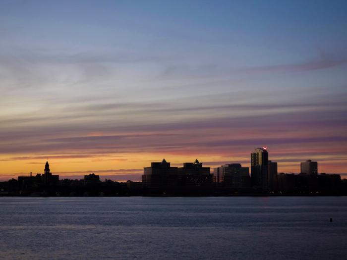 My NYC Thanksgiving Dinner Cruise Experience | Hornblower Cruises | New York City, Manhattan | Yams on a Yacht | Thanksgiving in New York City | Sunset