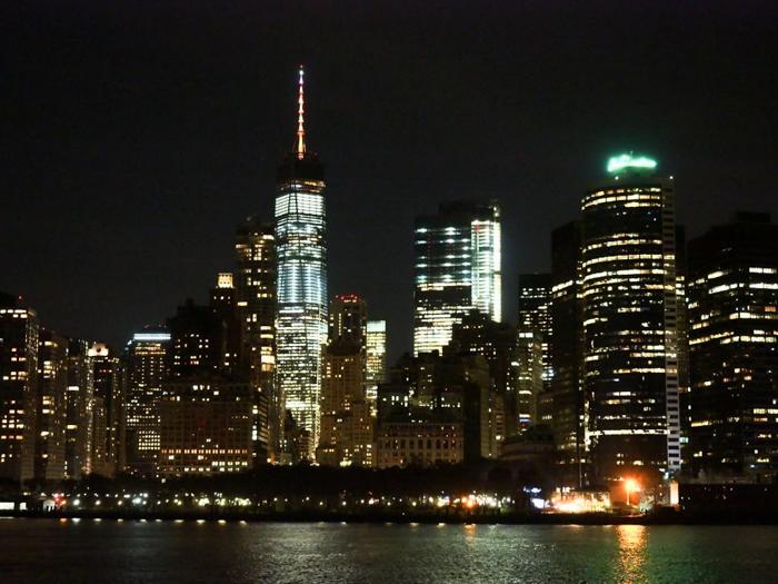 My NYC Thanksgiving Dinner Cruise Experience | Hornblower Cruises | New York City, Manhattan | Yams on a Yacht | Thanksgiving in New York City | Manhattan skyline at night