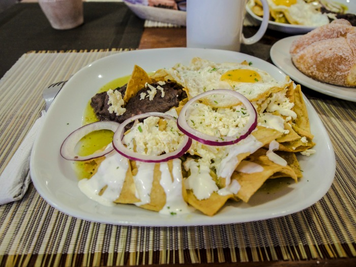 Do This, Not That // 3 Days in Mexico City | Dos and don'ts | Mexico Travel tips | CDMX | Chilaquiles at Malande cafe, Condessa
