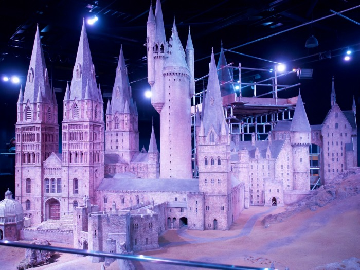 The Best 5-day London Itinerary for First-Time Visitors | London, England, United Kingdom | Harry Potter Studio Tour, Leavesden, Wardrobes, Platfrom 9 3/4