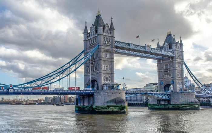 The Best 5-day London Itinerary for First-Time Visitors | London, England, United Kingdom | Tower Bridge, Thames River