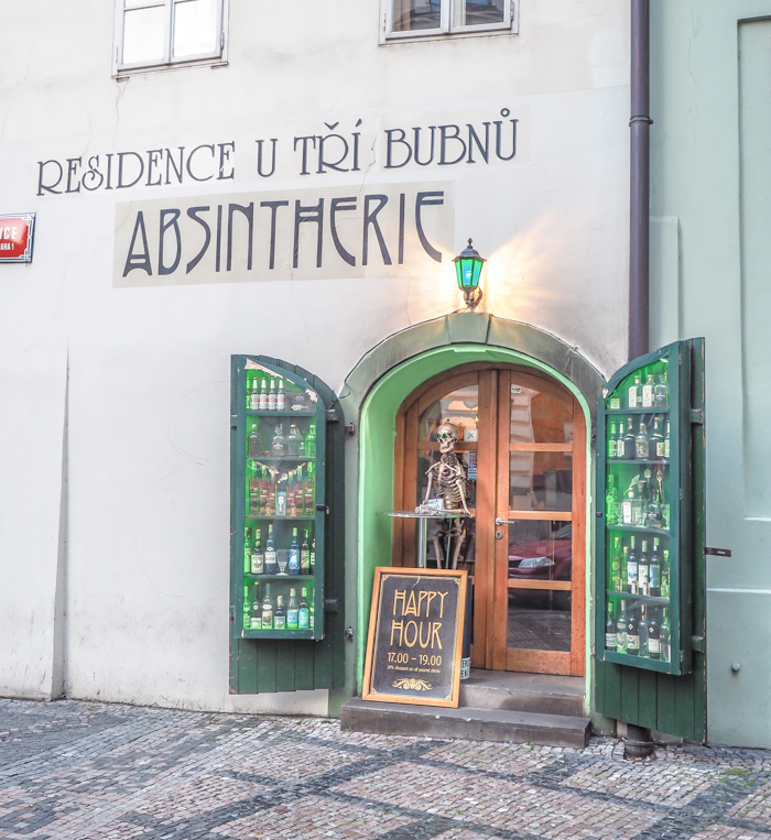 Czeching Out the Best of Prague in 3 Days | Czech Republic | Drinking Absinthe at the Absintherie in Franz Kafka Square