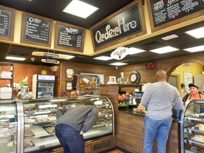 Spend a day in Ybor City | Tampa, Florida | La Segunda bakery and café pastries