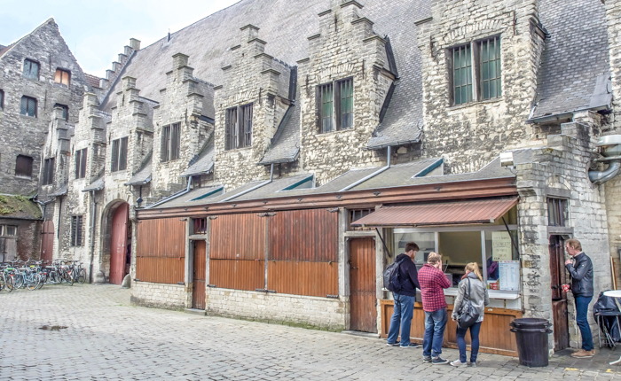4 days in Belgium | Where to eat in Ghent | Gent | The Great Butcher's Hall | frites, food stand
