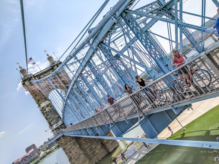 9 Reasons a Long Weekend in Cincinnati, Ohio Should Be Your Next Trip | What to do in Cincinnati | Things to do in Cincinatti | How to spend a weekend in Cincinnati | What to see in Cincinnati, Ohio | Midwest | USA Road trip | 3 days in Cincinnati, Ohio | Roebling Bridge