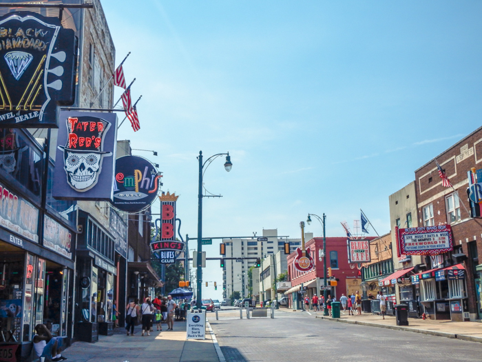 200 things to do in memphis, tennessee for first-time visitors, a local's guide   Beale Street #memphis #traveltips #bealestreet