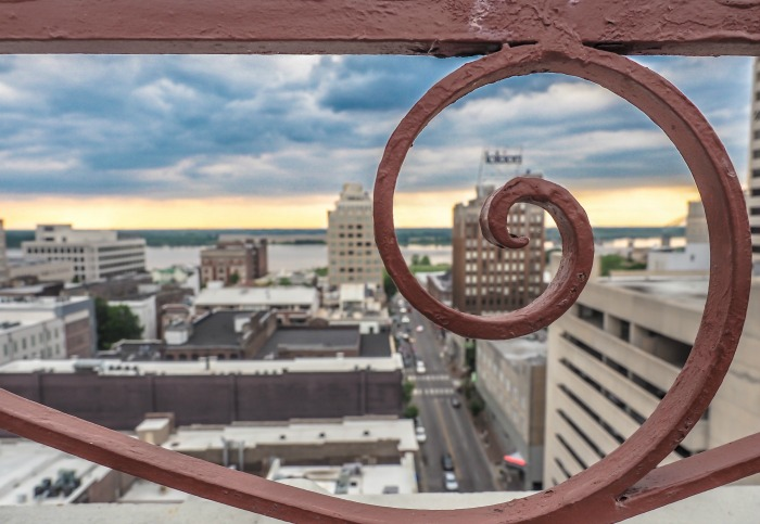 200 things to do in Memphis, Tennessee for first-time visitors - a local's guide   Peabody Hotel Rooftop Party, #memphis #peabody #rooftop #traveltips #view