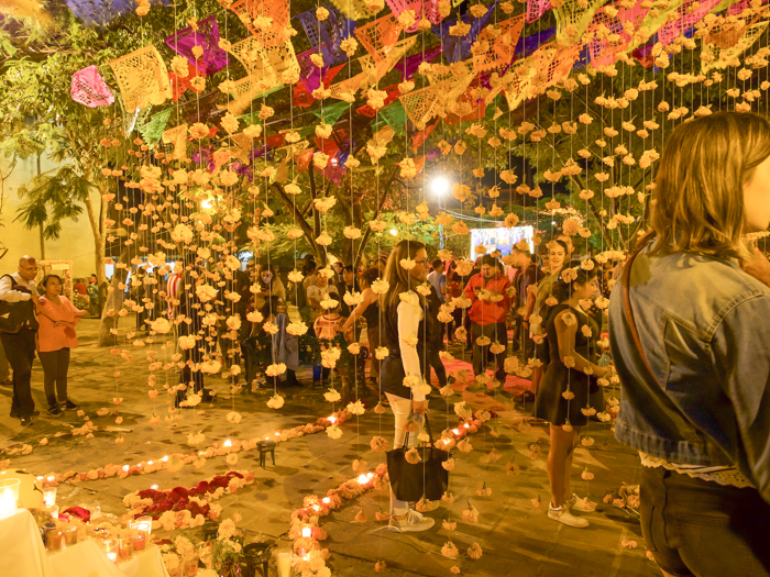 Do This, Not That // Celebrating Day of the Dead in Mexico for First-Timers | Día de los Muertos, what to wear for day of the dead, where to experience day of the dead in mexico, cultural significance, traditions, dos and don'ts, tips | decorations in oaxaca