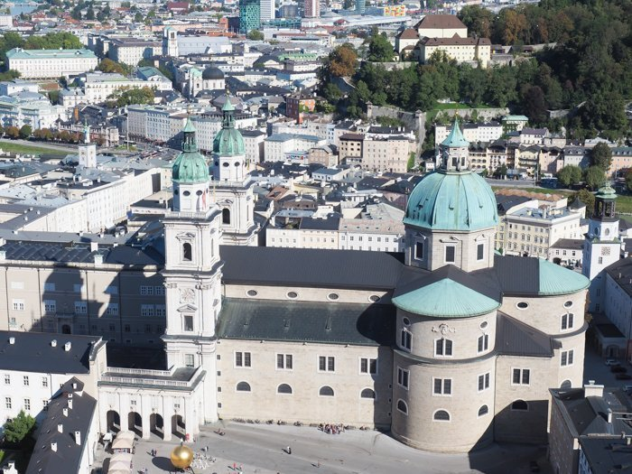 How to Squeeze in a Day Trip to Salzburg from Munich | Austria to Germany | Sound of music, mozart, castle, brewery, museums #salzburg #austria #thesoundofmusic #beer #mozart #daytrip #castle | Salzburg Cathedral