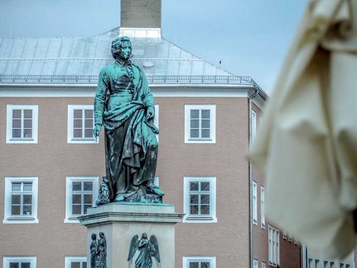 How to Squeeze in a Day Trip to Salzburg from Munich | Austria to Germany | Sound of music, mozart, castle, brewery, museums #salzburg #austria #thesoundofmusic #beer #mozart #daytrip #castle | Mozartplatz