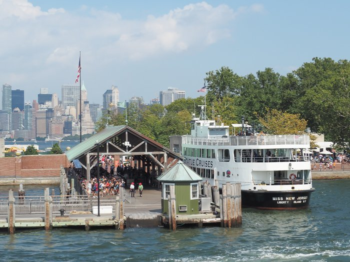 A Time-Budget Traveler's Guide to Visiting Ellis Island in a Hurry | New York City, Manhattan and the Statue of Liberty | United States Immigration Museum | National Park Site #ellisisland #newyorkcity #stateofliberty #nyc #manhattan #ushistory ferry