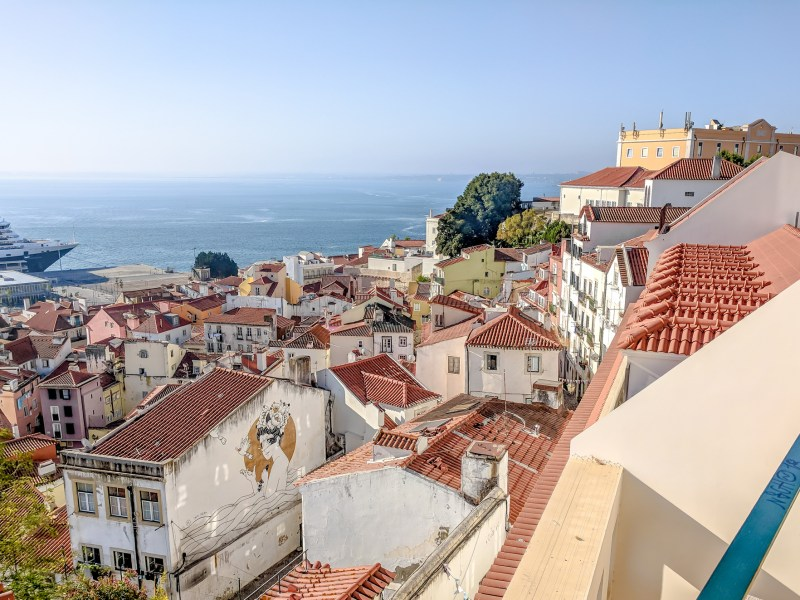 Get to know Portugal | Lisbon, Porto, Azores | Where to stay in Portugal, what to pack for Portugal, and what you need to know about Portugal | #timebudgettravel #traveltips #portugal #lisbon