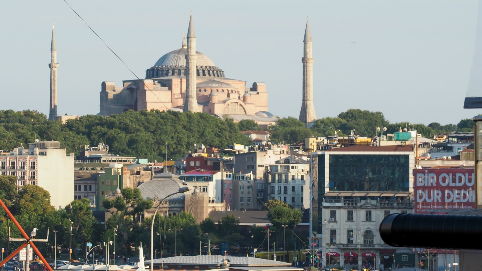 Where to Stay in Istanbul, Turkey: Hotel Momento Golden Horn in Beyoglu / Karakoy. View of Hagia Sophia from my room. #istanbul #turkey #goldenhorn #wheretostay #hotelreview #hotelmomento #traveltips #hagiasophia #ayasofya