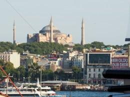 Where to Stay in Istanbul, Turkey: Hotel Momento Golden Horn in Beyoglu / Karakoy. View of Hagia Sophia from my room. #istanbul #turkey #goldenhorn #wheretostay #hotelreview #hotelmomento #traveltips #hagiasophia #ayasofya