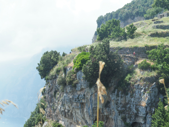 Hiking the Path of the Gods from Sorrento, Italy | What kind of terrain to expect along the Amalfi Coast #pathofthegods #amalficoast #sorrento #italy #hiking