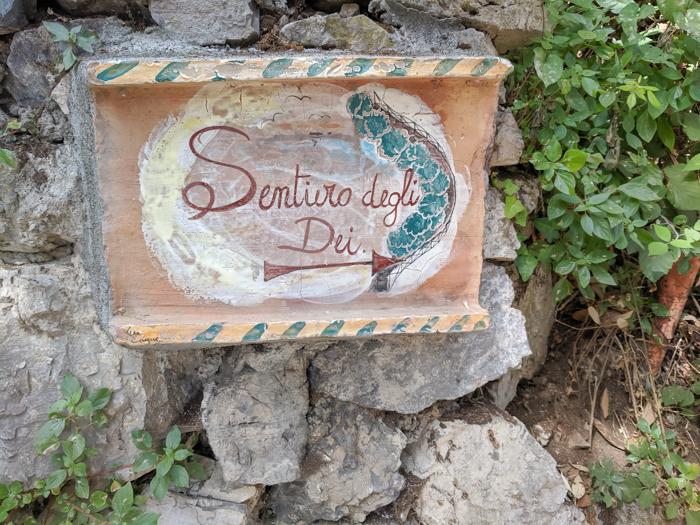 Il Sentiero degli Dei sign | Hiking the Path of the Gods from Sorrento, Italy on the Amalfi Coast | #pathofthegods #sorrento #amalficoast #hiking #italy
