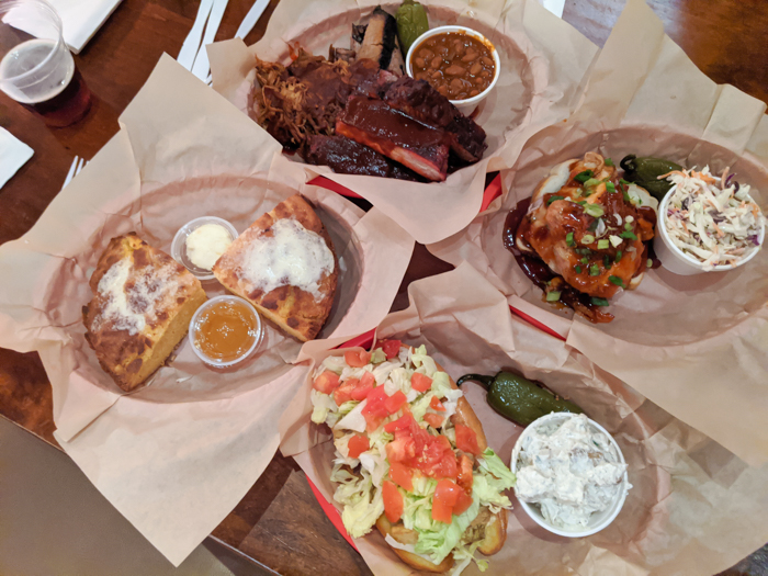 4 Days in Scottsdale, Arizona // A Jam-Packed Itinerary With a Bit of Everything | Where to eat in Scottsdale: Bryan's Black Mountain Barbecue in Cave Creek #scottsdale #arizona #bbq