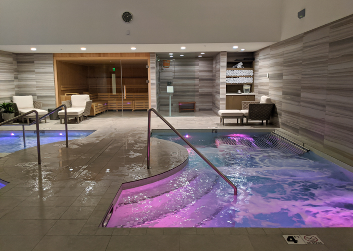 4 Days in Scottsdale, Arizona // A Jam-Packed Itinerary With a Bit of Everything | Things to do in Scottsdale: Aqua Therapy circuit at Civana, aqua therapy room #wellness #spa #relaxation