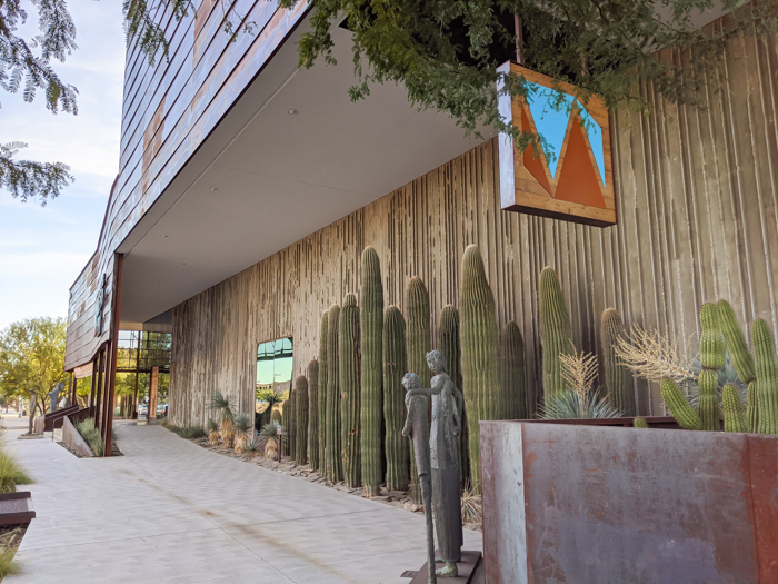 4 Days in Scottsdale, Arizona // A Jam-Packed Itinerary With a Bit of Everything | Things to do in Scottsdale: Western Spirit: Scottsdale's Museum of the West, entrance #scottsdale #museum