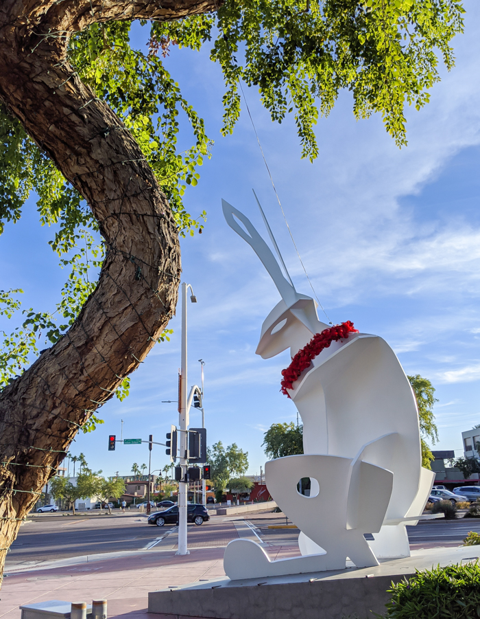 4 Days in Scottsdale, Arizona // A Jam-Packed Itinerary With a Bit of Everything | Things to do in Scottsdale: public art #jackrabbit #publicart #scottsdale