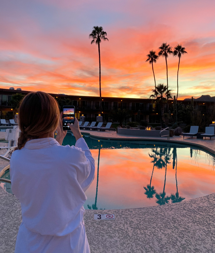 4 Days in Scottsdale, Arizona // A Jam-Packed Itinerary With a Bit of Everything | Things to do in Scottsdale: photographing the sunset at Civana #sunset #robelife #wellness #spa #scottsdale #arizona