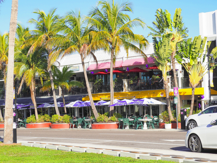 St. Armand's Circle / 3 days in Sarasota, Florida / What to do in Sarasota, Where to eat in Sarasota, itinerary and information guide