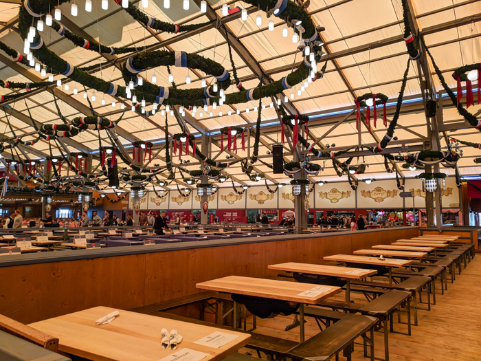 Schottenhamel tent in the morning / Must-Know Oktoberfest tips from an Oktoberfest tour guide and locals / what you need to know about oktoberfest in munich, germany