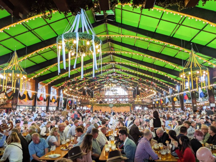 How to decorate for an Oktoberfest party at home: Augustiner festhalle