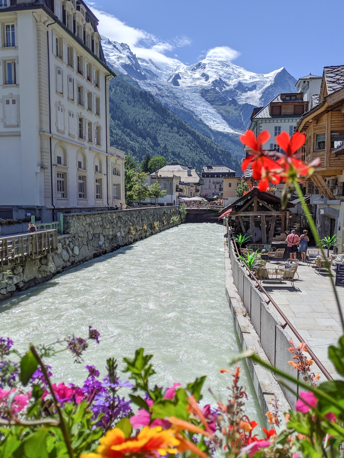 Chamonix in the summer travel guide: how long to stay in chamonix