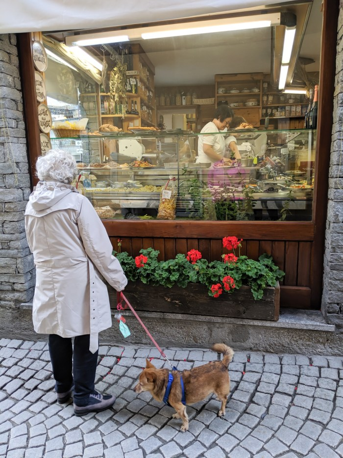 Day trip to Courmayeur, Italy from Chamonix, France / where to eat in courmayeur