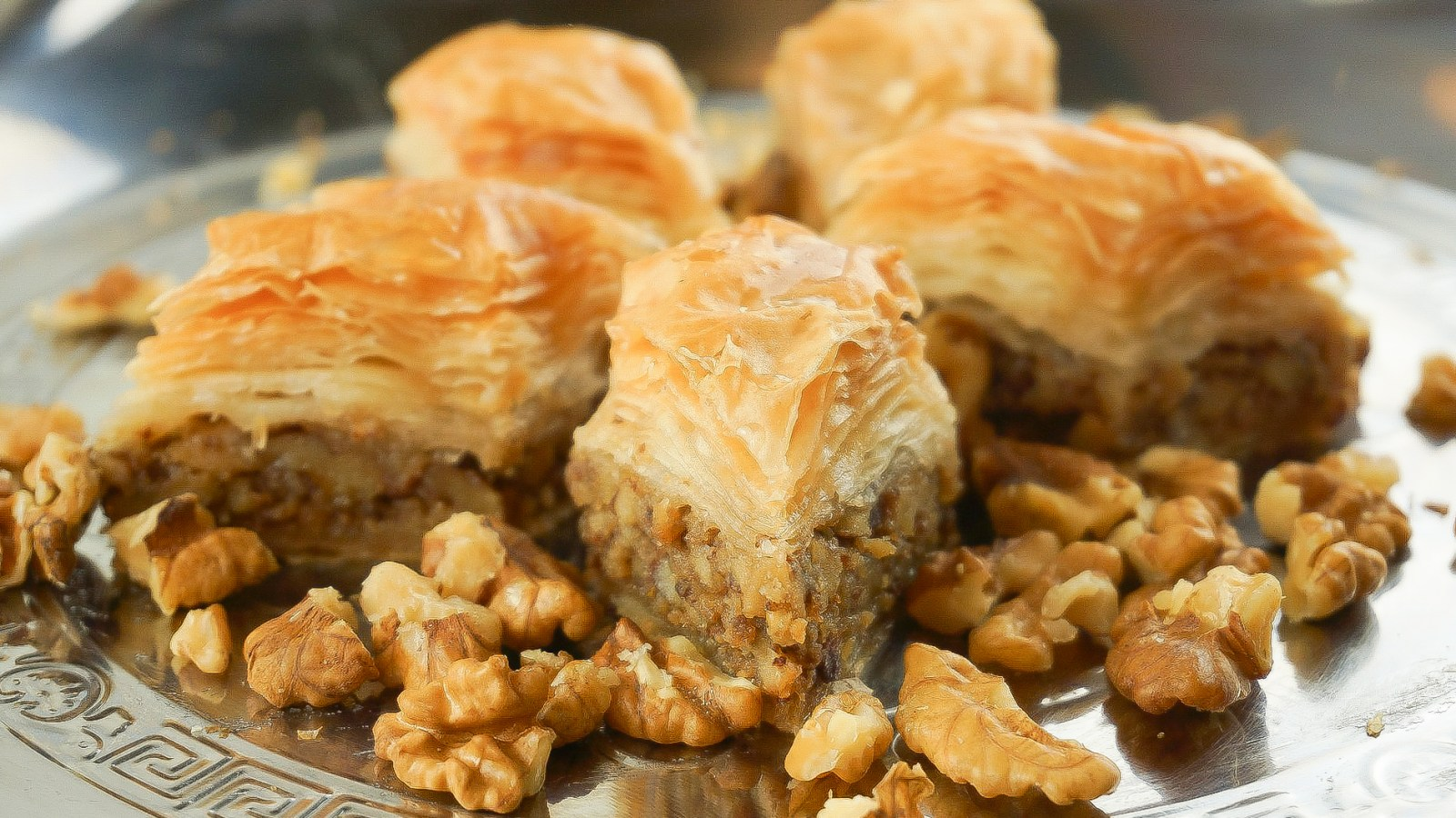 Simple honey walnut baklava recipe | How to make baklava | Greek baklava #baklava