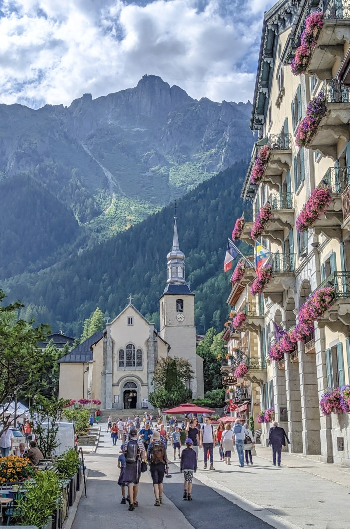 Awesome things to do in Chamonix in the summer: Alpine bucket list / Chamonix church
