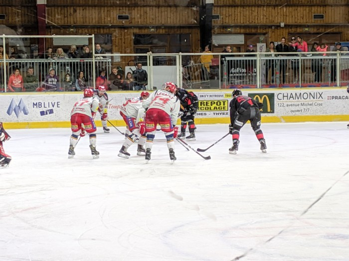 Awesome things to do in Chamonix in the summer: Alpine bucket list / Chamonix Pionniers hockey game