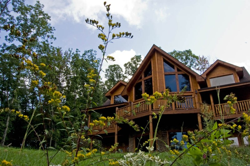 what to do in gatlinburg and pigeon forge tennessee - cabin in the woods
