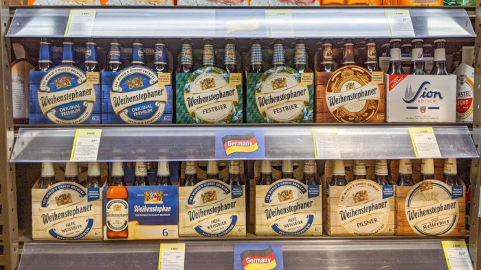 Oktoberfest party beer: What kind of beer to serve at your oktoberfest party | Weihenstephaner beers