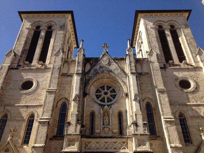 facade of the San Fernando Cathedral in San Antonio, Texas