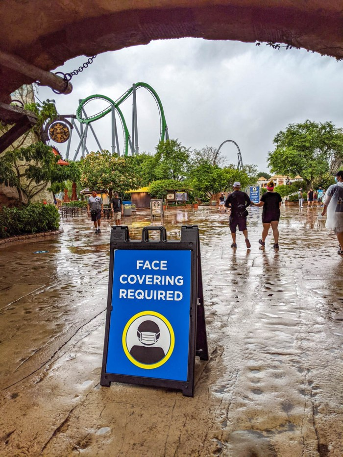 Face covering sign at Universal Orlando during the pandemic