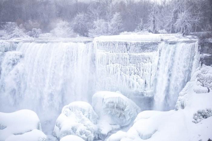 7 of the best niagara falls tours from new york: Frozen Niagara Falls in the winter