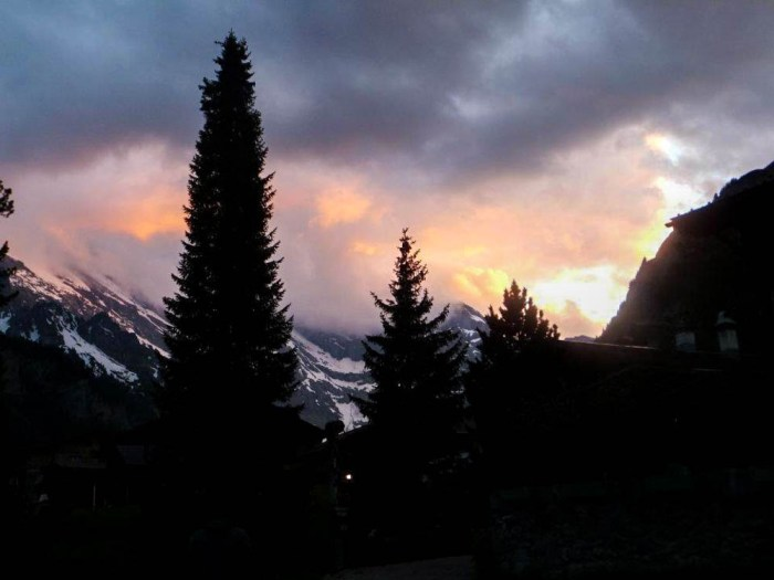 Gimmelwald Swiss Alps sunset | Where to stay in Gimmelwald, Switzerland: Mountain Hostels and B&Bs | Best places to stay in Gimmelwald