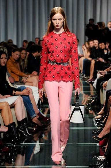 Louis-Vuitton-sfilata-crociera-2015-01-385x580