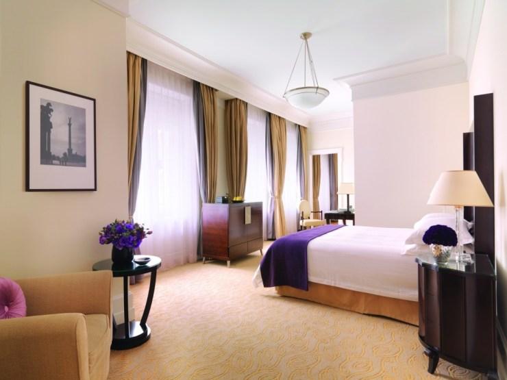 47066-root-gresham-room-main-bedroom