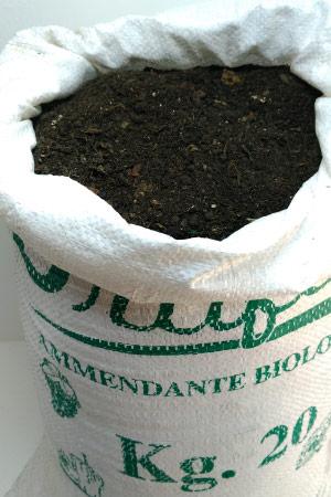 Concime Biologico - Humus di Lombrico Rosso della California sacco da 20 kg