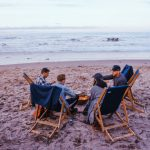 vrienden op strand