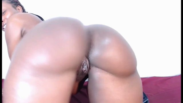 Fat booty African queen on live webcam