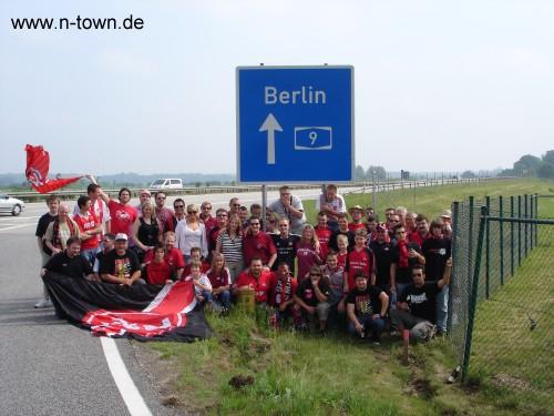 Laffer Bus auf dem Weg zum Pokalendspiel in Berlin