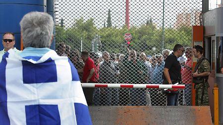 """Die Proteste in Griechenland gegen die Sparpläne der Regierung und das Vorgehen der """"Troika"""" dauern an."""