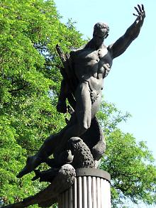 Symbol des Widerstands: Denkmal im Kiewer Start-Stadion.