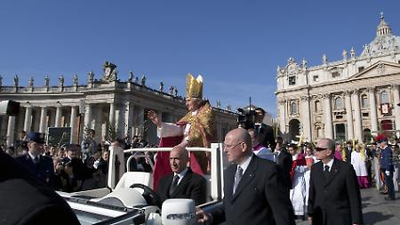 https://i2.wp.com/www.n-tv.de/img/79/798083/Img_16_9_450_VATICAN-POPE-PALM-SUNDAY-AJM104.jpg9409182552030525.jpg